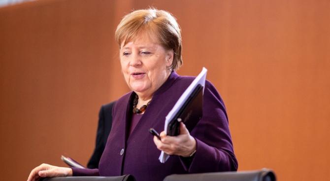 Меркел обеща помощ на Судан