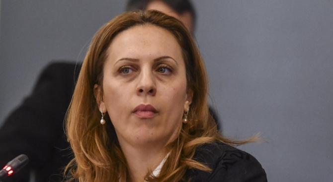 Вицепремиерът Марияна Николова заминава на посещение в ОАЕ