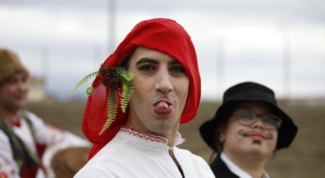 """Фестивалът """"На гости у Шопско"""" започна в гр. Елин Пелин"""