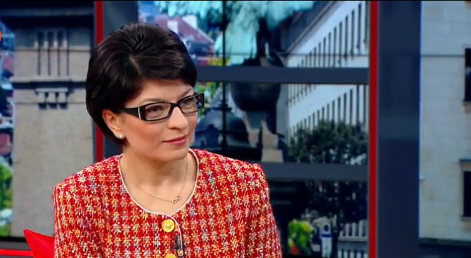 Десислава Атанасова: ГЕРБ управлява вече 10 г. по волята на народа за жалост на БСП
