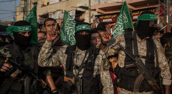 """Хамас е хакнала хиляди телефони на израелски военни с """"жени"""""""