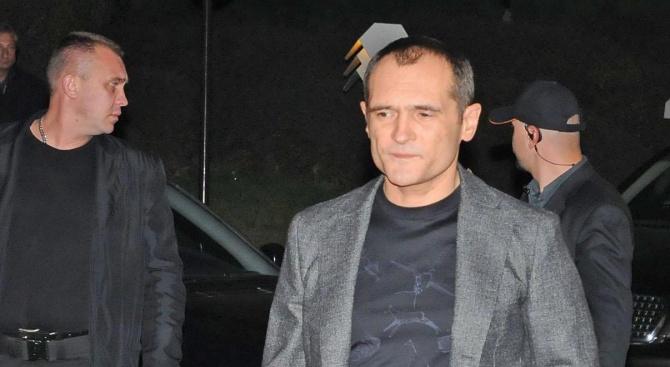 Васил Божков е с отнети документи в ОАЕ