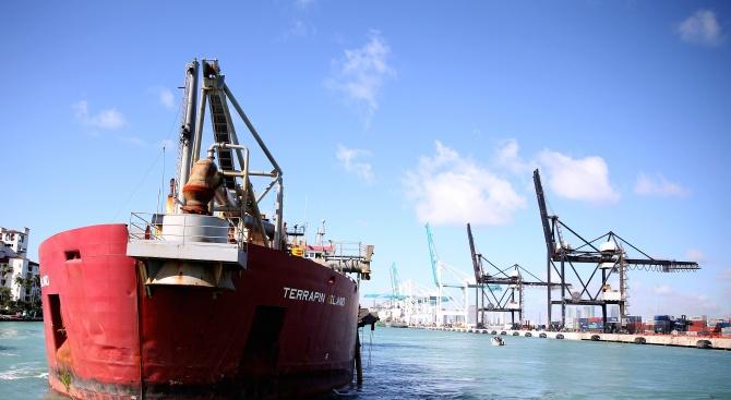 Италия евакуира 35 свои граждани от круизния кораб, поставен под карантина в Япония