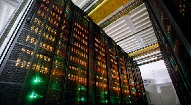 Великобритания инвестира 1,6 милиарда долара в суперкомпютър за климатични прогнози