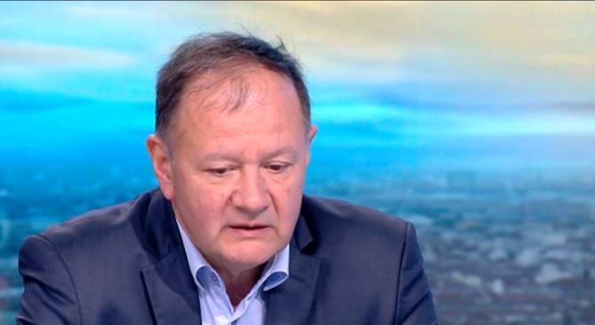 Михаил Миков разкри разпъвала ли е БСП чадър над Васил Божков