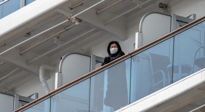 На круизния кораб в Япония има 40 заразени с коронавирус американци