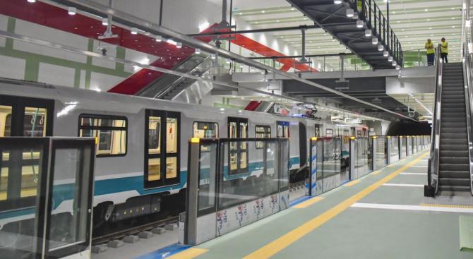 """Колко ще трае пътуването с метро от """"Красно село"""" до """"Патриарх Евтимий""""?"""