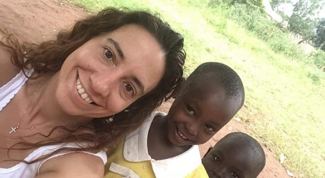 Българка се грижи за 200 деца сираци в Угандa