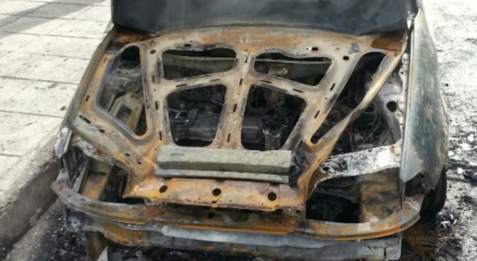 Лек автомобил изгоря във Видин