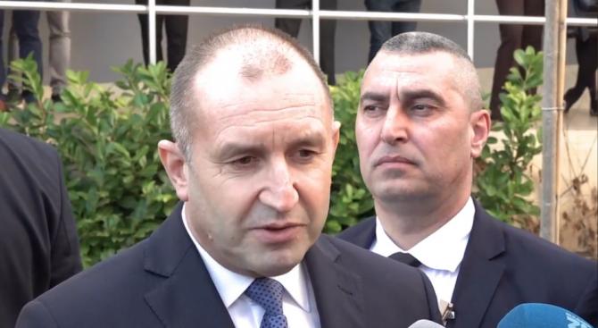 Румен Радев с нова атака срещу Борисов