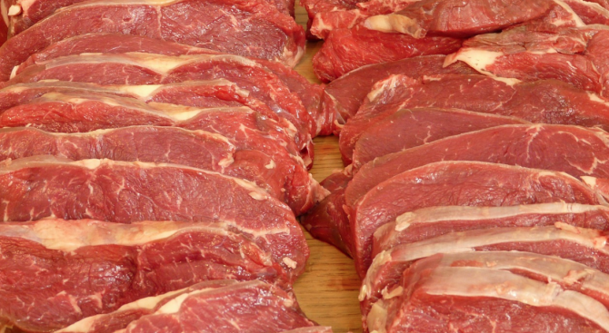 Иззеха свинско месо от пазар в Стамболийски