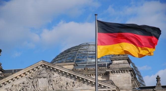 Германското правителство осъди готвените от десни екстремисти планове за атентати срещу джамии