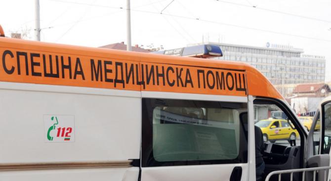 Шофьор на тролейбус спря рязко, една жена е ранена