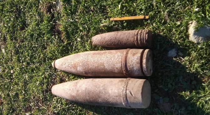 Военни унищожиха невзривени боеприпаси, открити край град Смядово