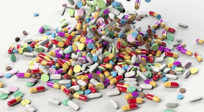 Китайският вирус застрашава световните доставки на антибиотици