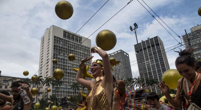 Най-малко 400 души бяха арестувани през първия уикенд на карнавала в Сао Пауло
