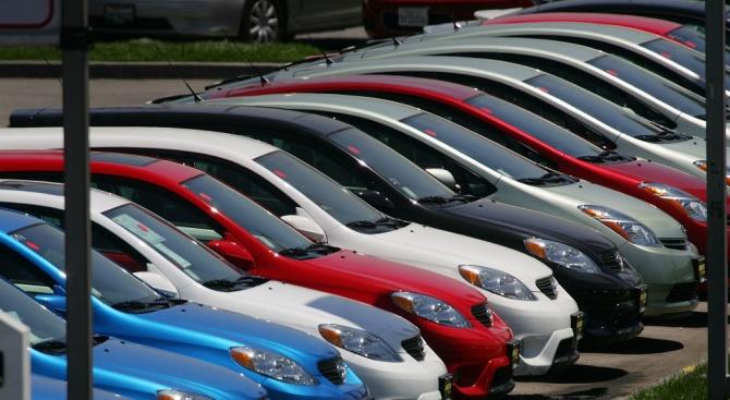 Спад на продажбите на нови автомобили в ЕС през януари