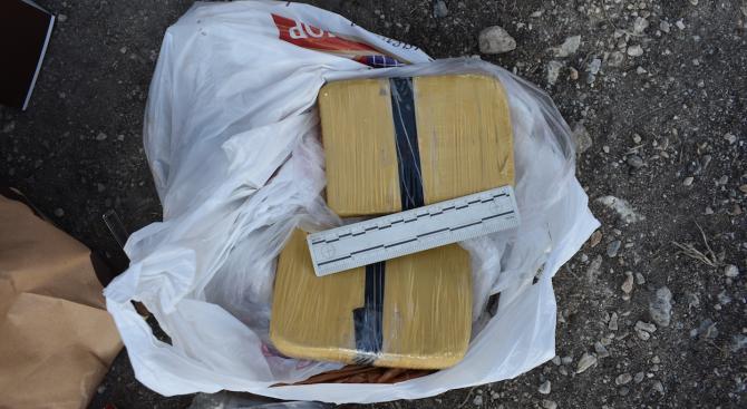 Над 1 кг хероин, оръжие и боеприпаси откриха служители на ОДМВР -Пловдив