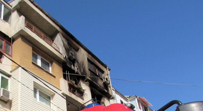 Млад мъж пострада при пожар в Ямбол
