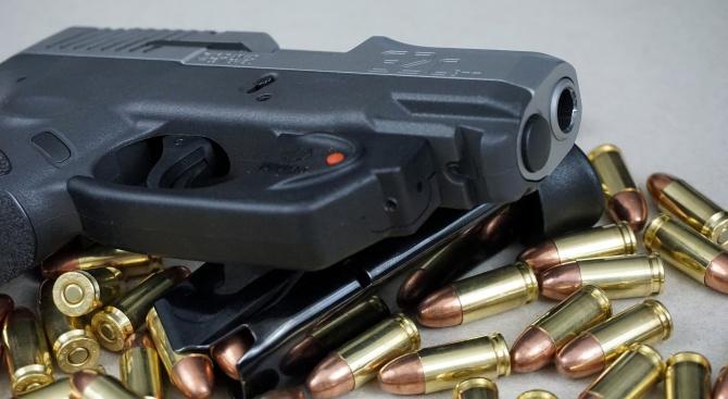 Косовска полицайка застреля четирима от семейството си и се самоуби