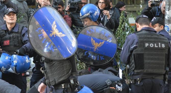 Погнаха освободен опонент на Ердоган за пуча