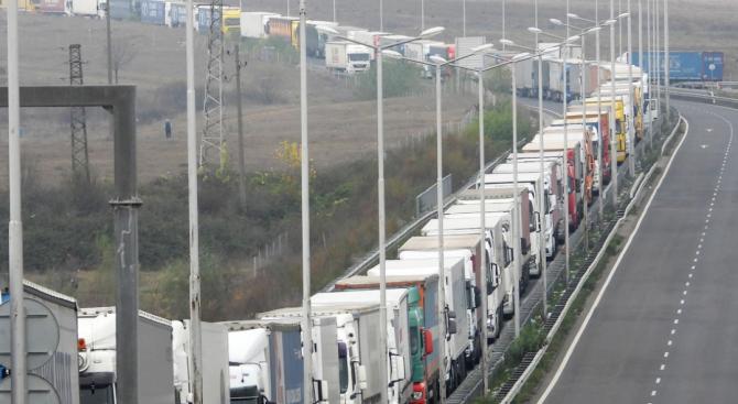 За 3115 км тежкотоварните автомобили ще плащат тол такси