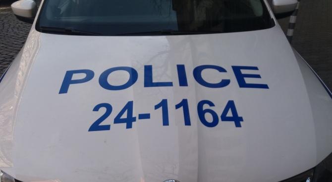Сливенски полицаи задържаха за по-малко от час извършител на грабеж