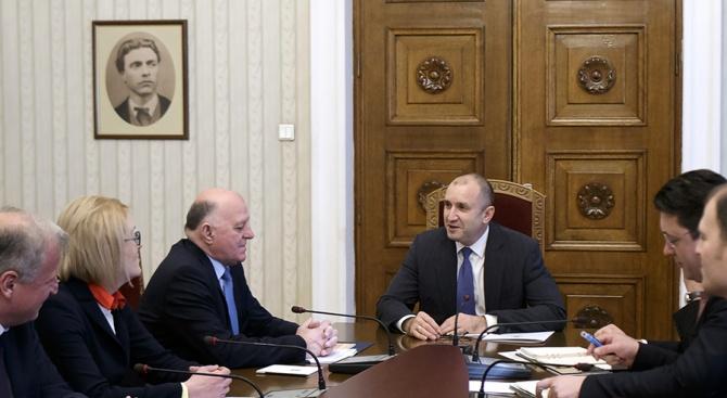 Румен Радев проведе консултации за промени в Конституцията с представители на ВСС