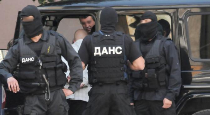 Прокурори и ДАНС проверяват общинската болница в Раднево