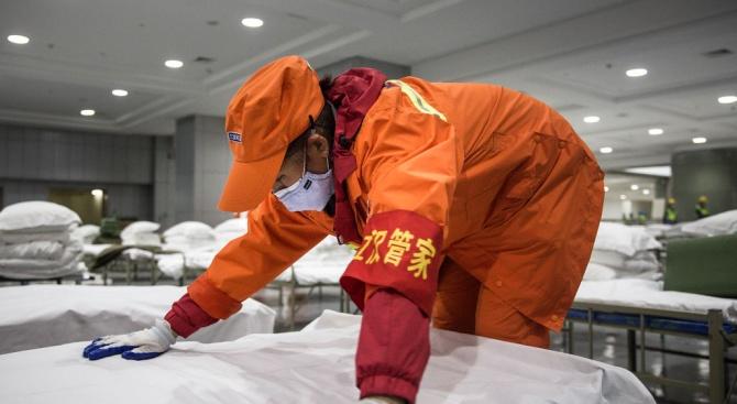 В Ухан вече работят 12 временни болници за лечение на коронавируса
