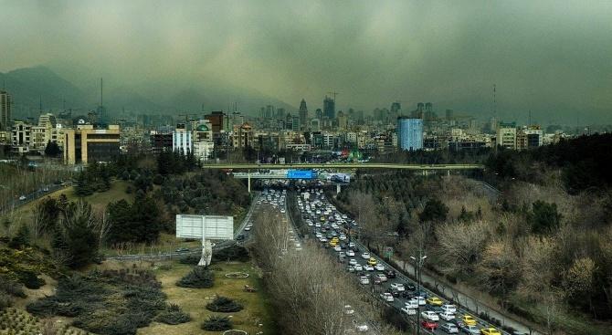 Двама души починаха от коронавирус в Иран