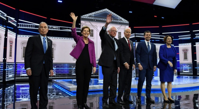 Майкъл Блумбърг беше подложен на яростни атаки от съперниците си демократи