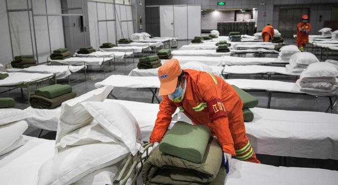 Жертвите на новия коронавирус в Китай са вече 2118