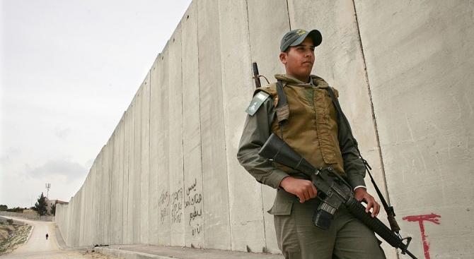Египет издига бетонна стена по границата с ивицата Газа