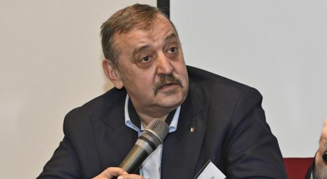 Проф. Тодор Кантарджиев с важни разкрития за новия коронавирус