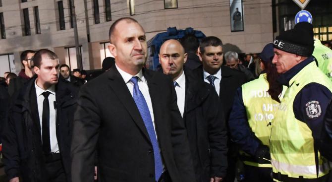 ГЕРБ: Радев да се извини за поругаването на паметта на Левски