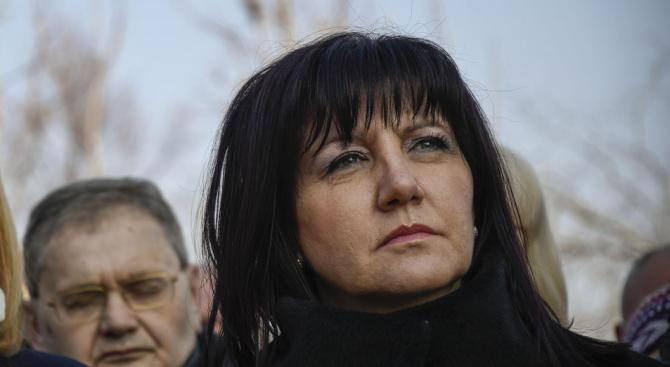 Караянчева изпрати съболезнователен адрес до председателя на Бундестага на Германия