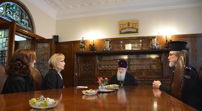 Патриарх Неофит се срещна с директора на Националната библиотека доц. Красимира Александрова