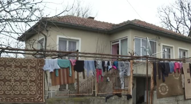Майката и малтретираното дете живели в Странско от два месеца