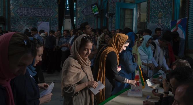 Започнаха парламентарните избори в Иран