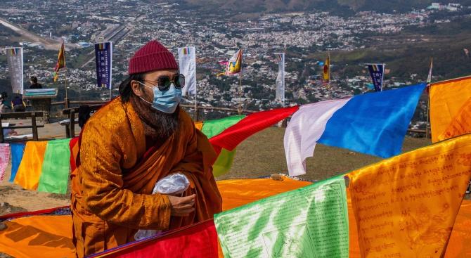 Коронавирусът зарази над 200 в Южна Корея