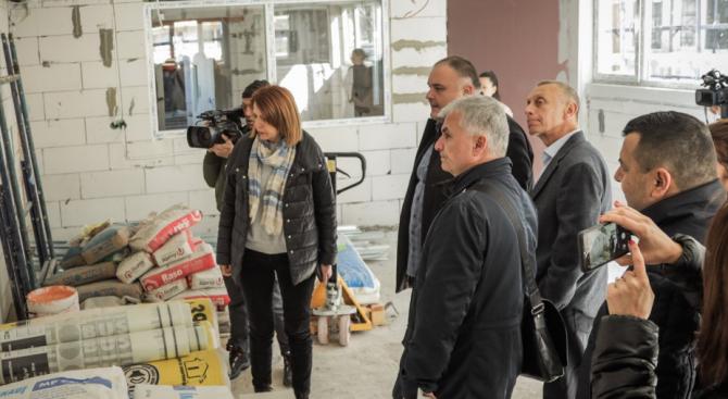 """Йорданка Фандъкова се похвали с детска градина в район """"Искър"""""""