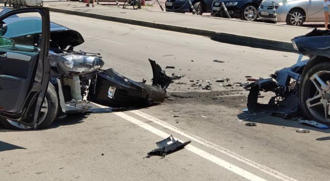 Катастрофа блокира движението на столичен булевард