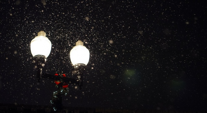 Подменят уличното осветление в десет населени места в Добричко