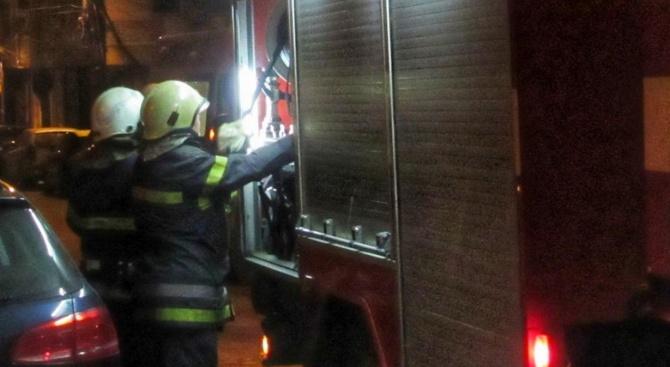 """Пожар в гараж в столичния """"Гео Милев"""", пострадал е мъж"""