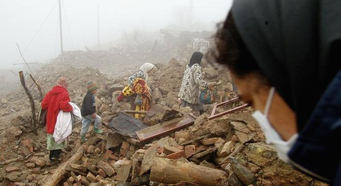 Иранското земетресение взе жертви в Турция