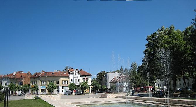 Обновяват сградата на пожарната в Берковица