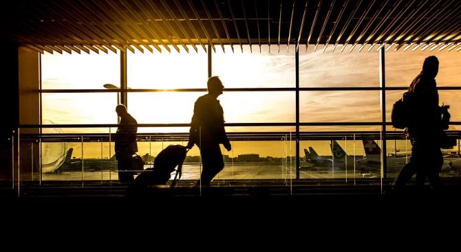 Всички летища на испанските Канарски острови вече са отворени