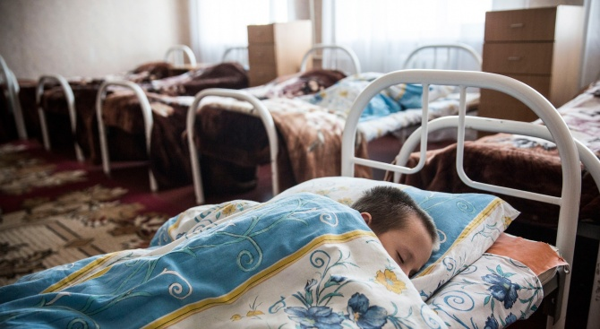 Шуменско училище обяви неучебни дни заради заболели деца