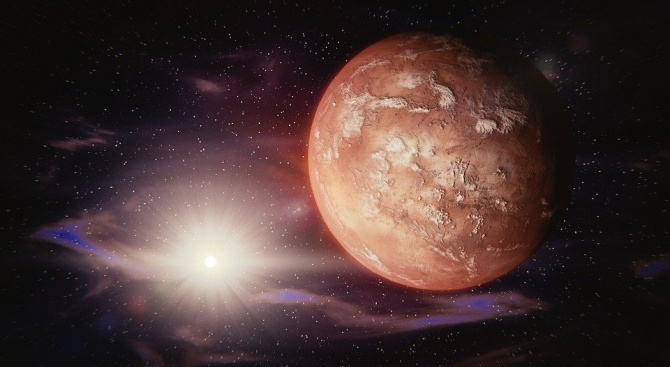 """""""ИнСайт"""": На Марс има трусове"""